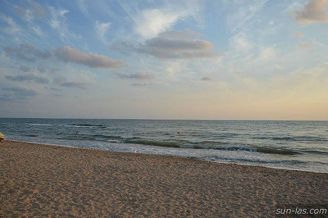 Пологий спуск в море, Песчанка, Заозерное