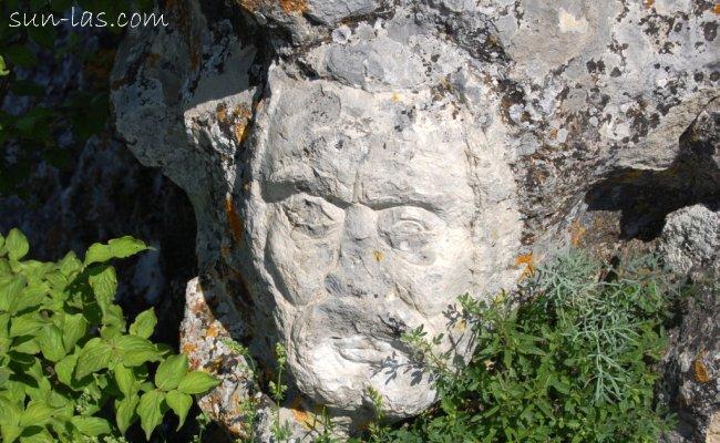 Рисунки на скале. Куле-Бурун
